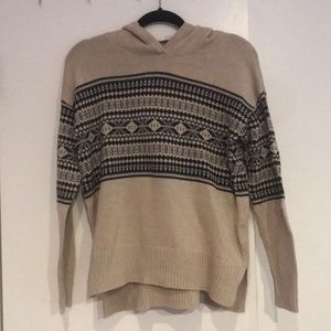 NWT Patterned sweater